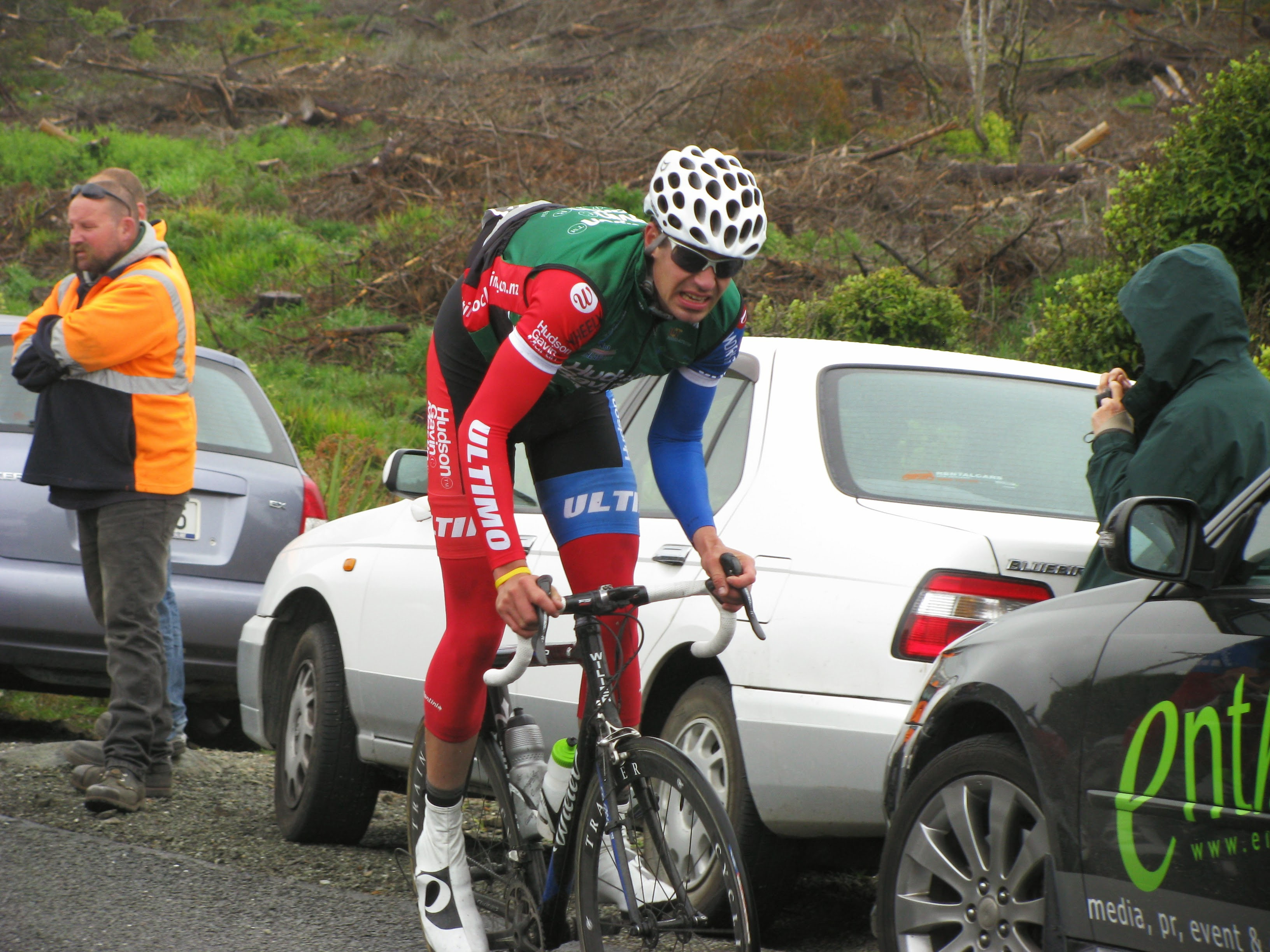Richard Rollinson riding up Bluff hill in the Tour of Southland.